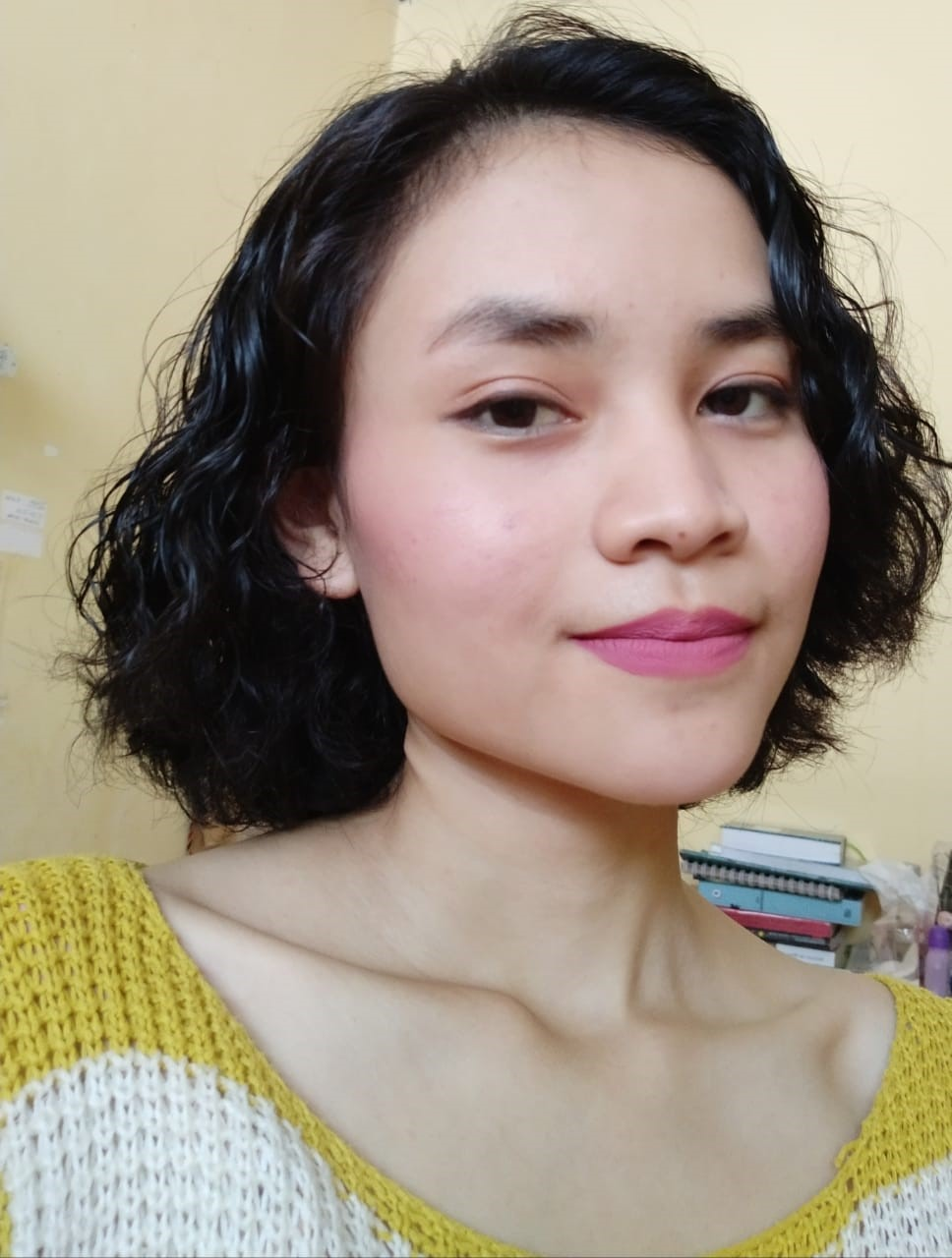 Ng. Lilis Suryani:  Maut yang Mengajak Merokok diBeranda